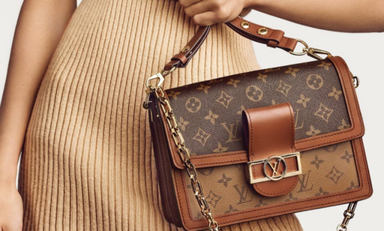 هكذا يتمّ قتل التماسيح لتصنيع حقائب Louis Vuitton!