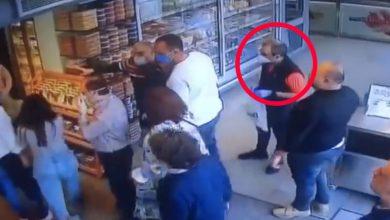 Photo of فيديو مواجهة بين الثوار وجبران باسيل في محل للخضار