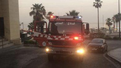 Photo of صور الدفاع المدني يخمد حريق في فندق في الروشة