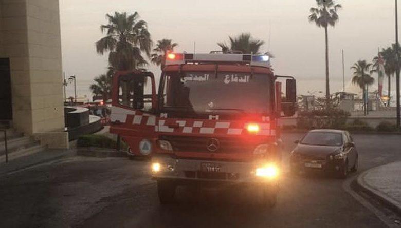 صور الدفاع المدني يخمد حريق في فندق في الروشة