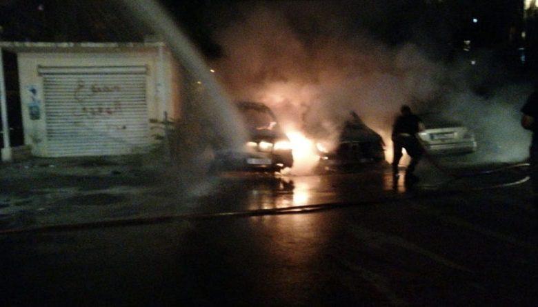 مجهولون يحرقون سيارات في صيدا