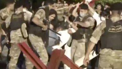 Photo of بالصور: الجيش يستعمل القوة ويمنع الإعلام من التصوير
