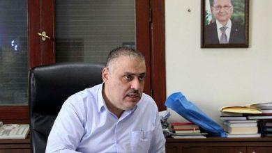 Photo of فيديو: رئيس بلدية الغبيري يتحرك في ظل غيبوبة وزير الاقتصاد