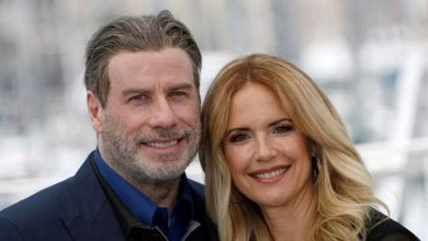 Photo of جون ترافولتا يعلن وفاة زوجته الممثلة كيلي بريستون