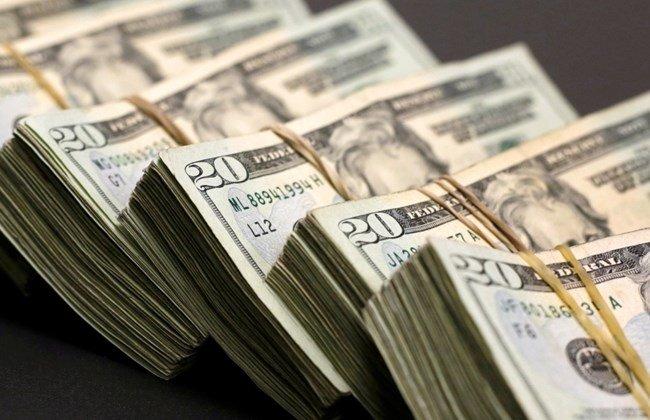 لا رادع لارتفاع سعر صرف الدولار في السوق السوداء بنحو 4 أو 5 أضعاف عما هو عليه اليوم