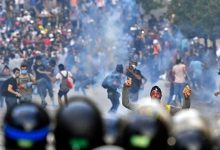 Photo of قوى الأمن الداخلي تنفي مواجهة المتظاهرين بالذخيرة الحية