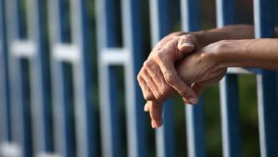 Photo of سجن فنان عربي لاعتدائه على مواطن