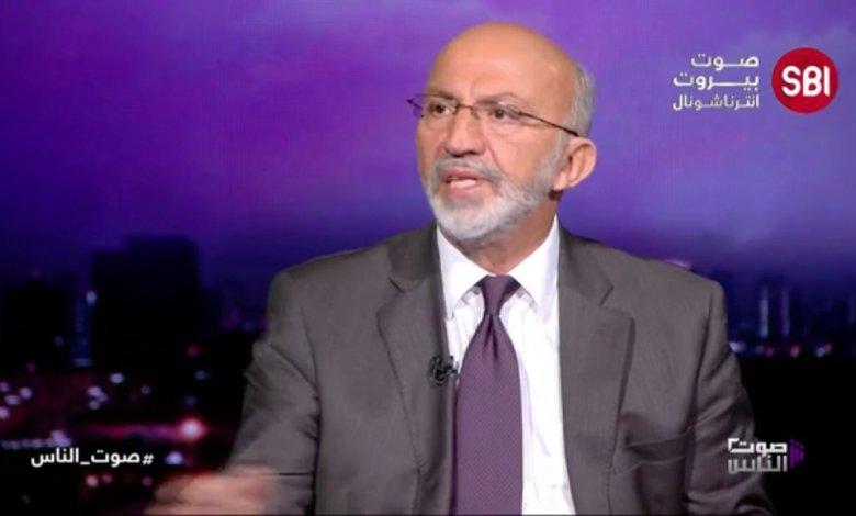 حسن الحسيني لا يتجرّأ على الحزب فيصوب على القوات